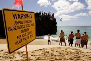 Cliff-Diving-Oahu-Hawaii05